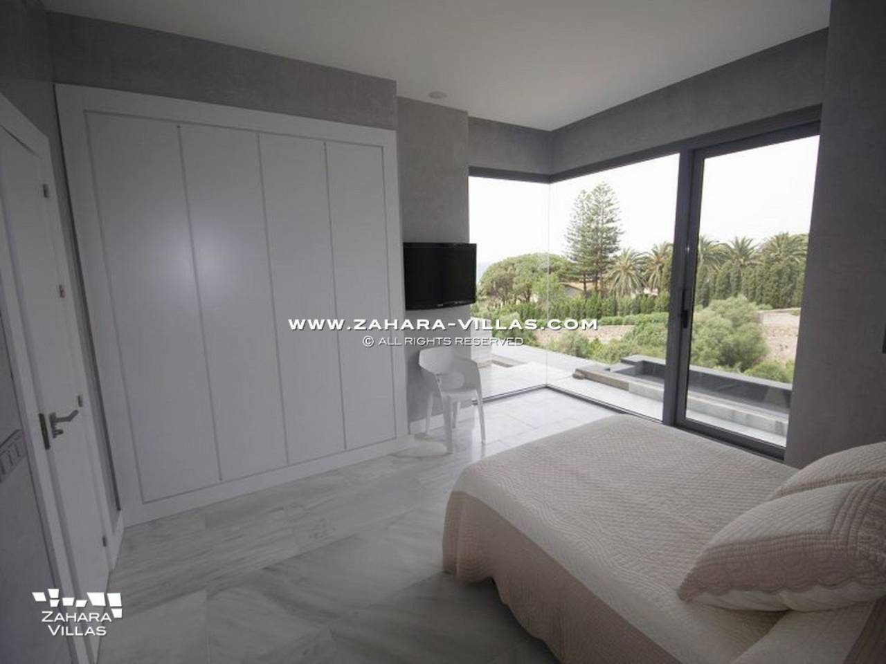 Imagen 11 de Wonderful Villa for sale with sea views in the beach Los Alemanes