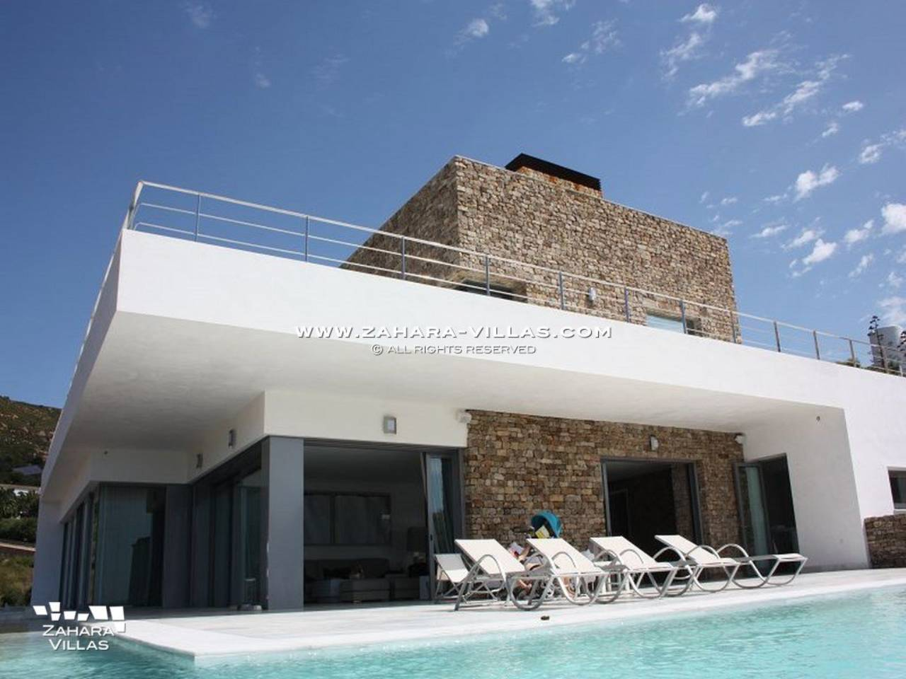 Imagen 4 de Wonderful Villa for sale with sea views in the beach Los Alemanes