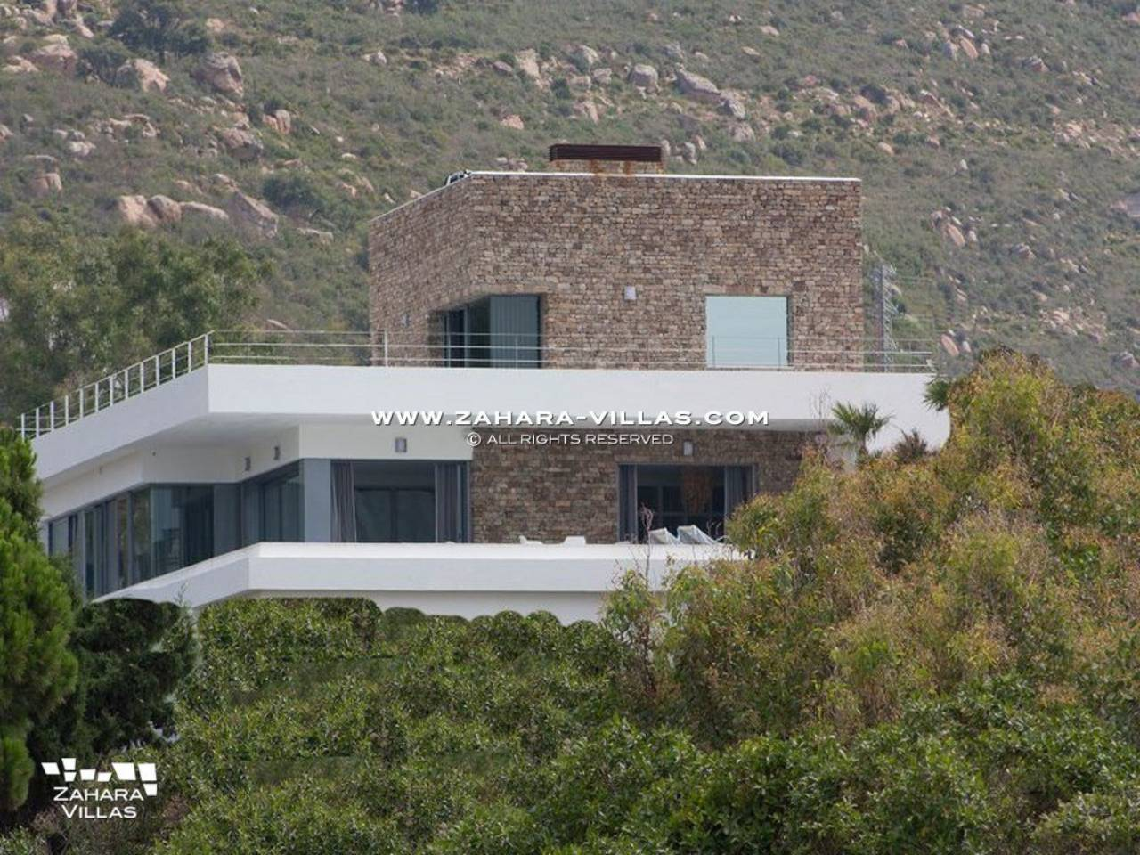 Imagen 5 de Wonderful Villa for sale with sea views in the beach Los Alemanes