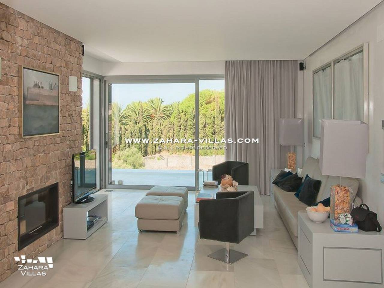 Imagen 7 de Wonderful Villa for sale with sea views in the beach Los Alemanes