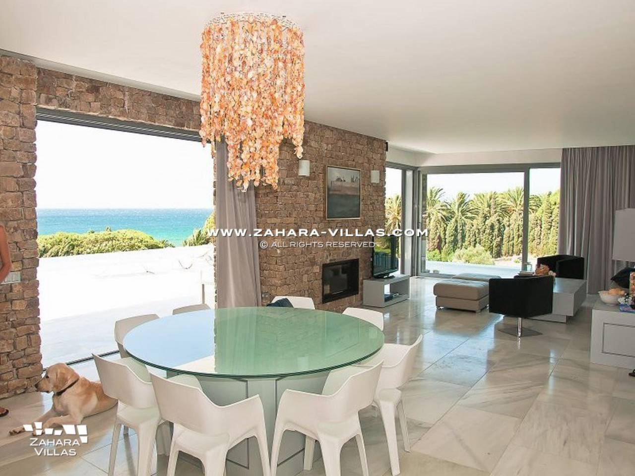 Imagen 8 de Wonderful Villa for sale with sea views in the beach Los Alemanes