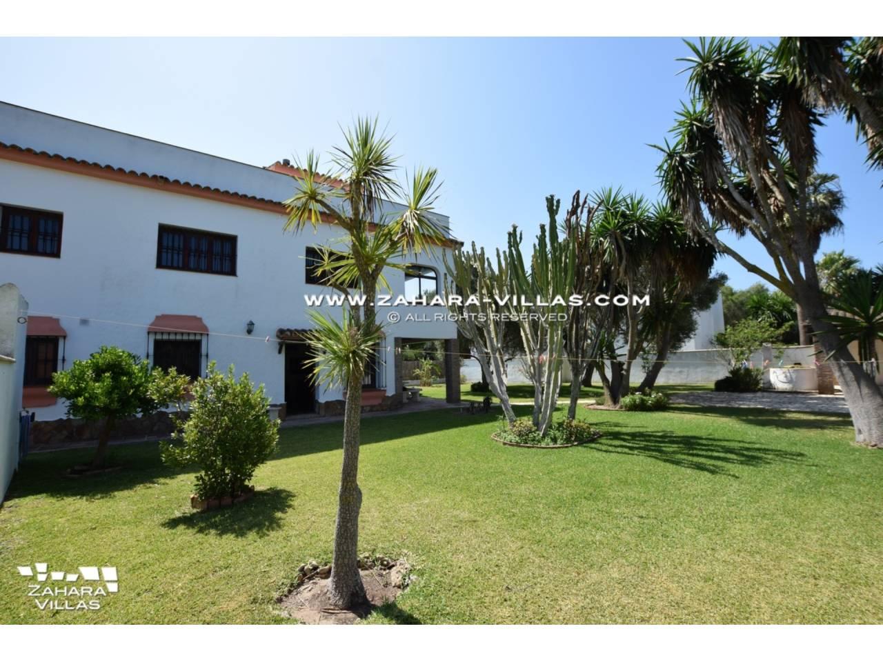 Imagen 1 de House for sale in Zahora ( Los Caños de Meca )