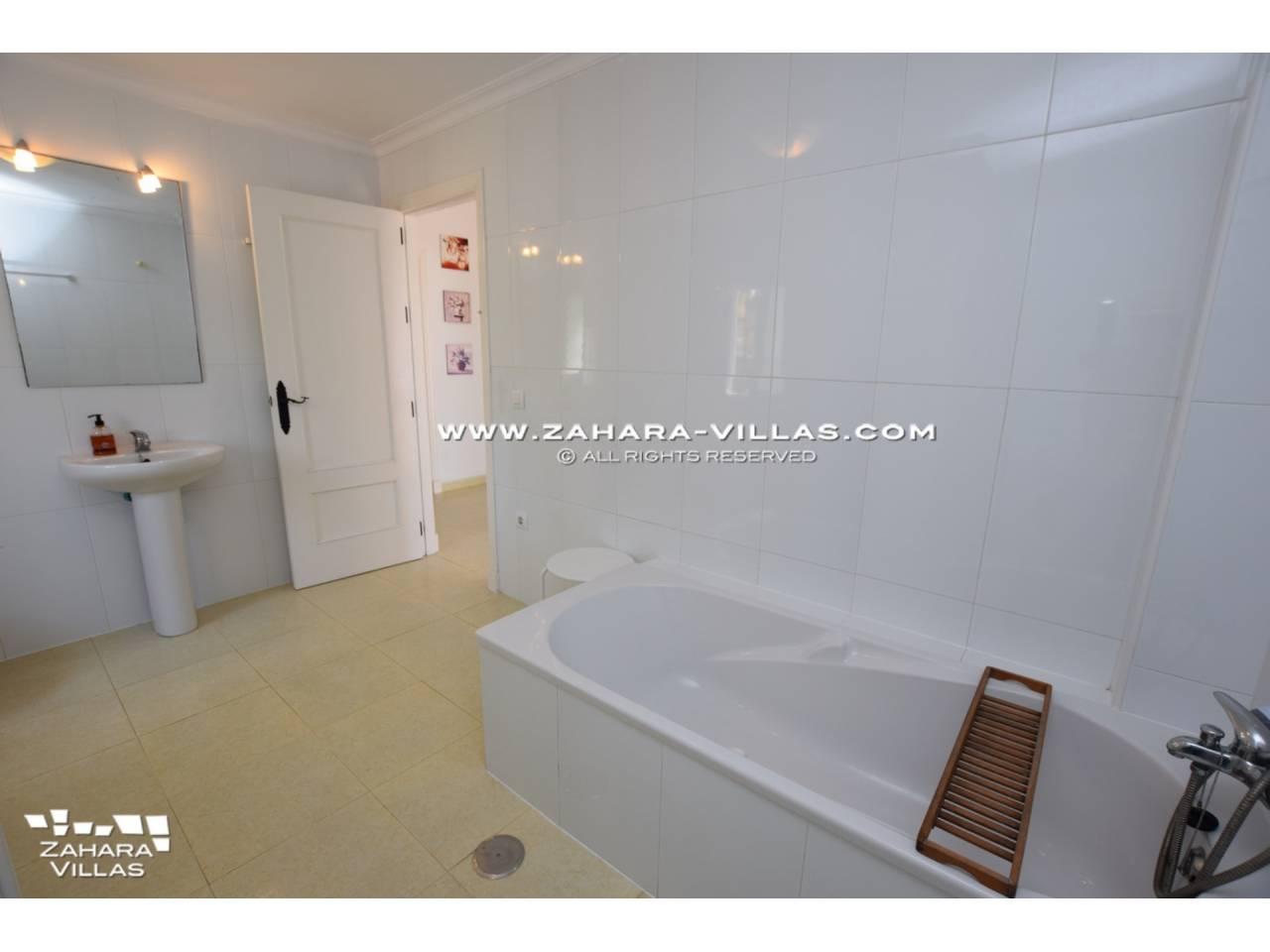 Imagen 15 de House for sale in Zahora ( Los Caños de Meca )