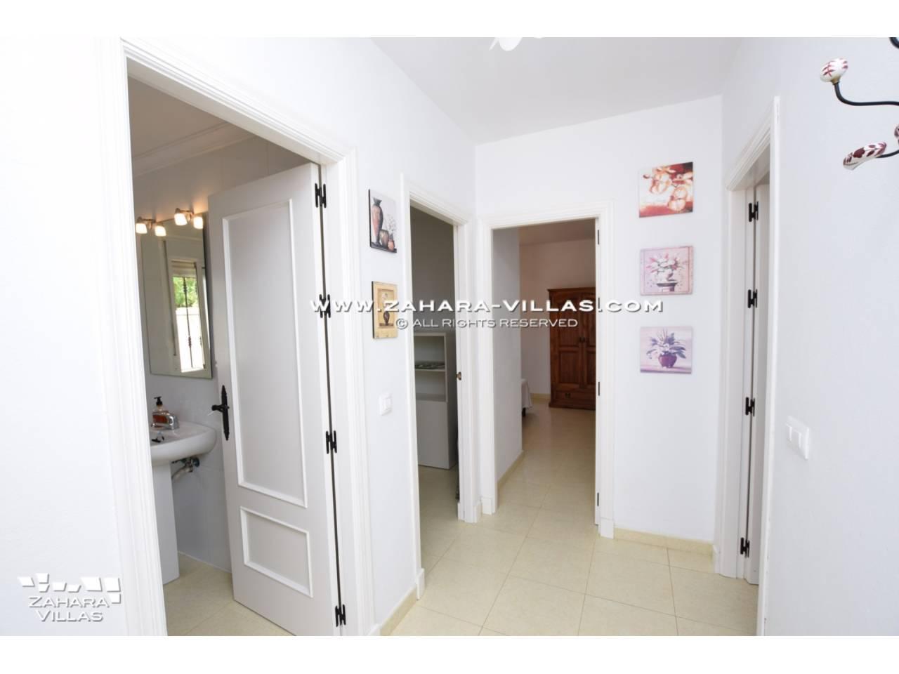 Imagen 12 de House for sale in Zahora ( Los Caños de Meca )