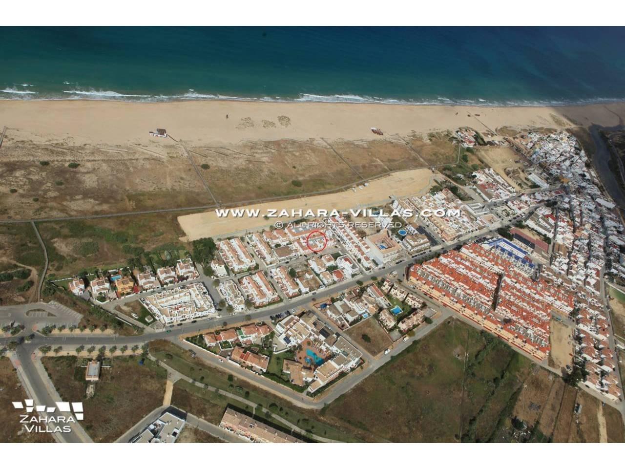 Imagen 17 de Adosado en el pueblo urbanización Blandon Zahara de los Atunes