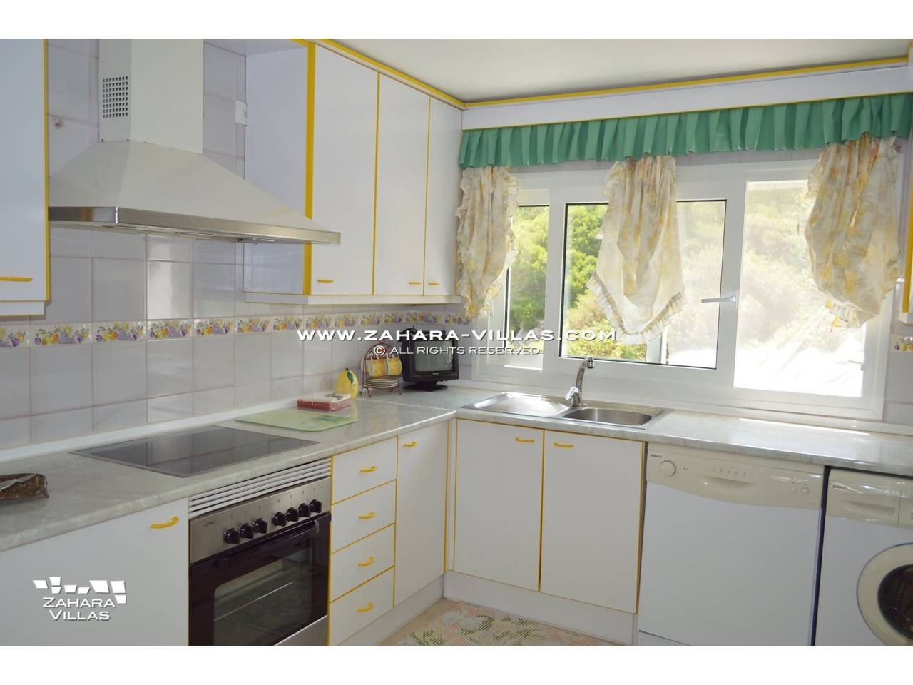 Imagen 14 de Duplex for sale in Urb. Costa Zahara
