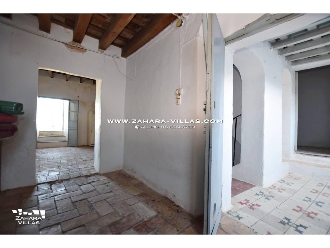 Imagen 2 de Historic buildings for sale in Vejer de la Frontera are sold