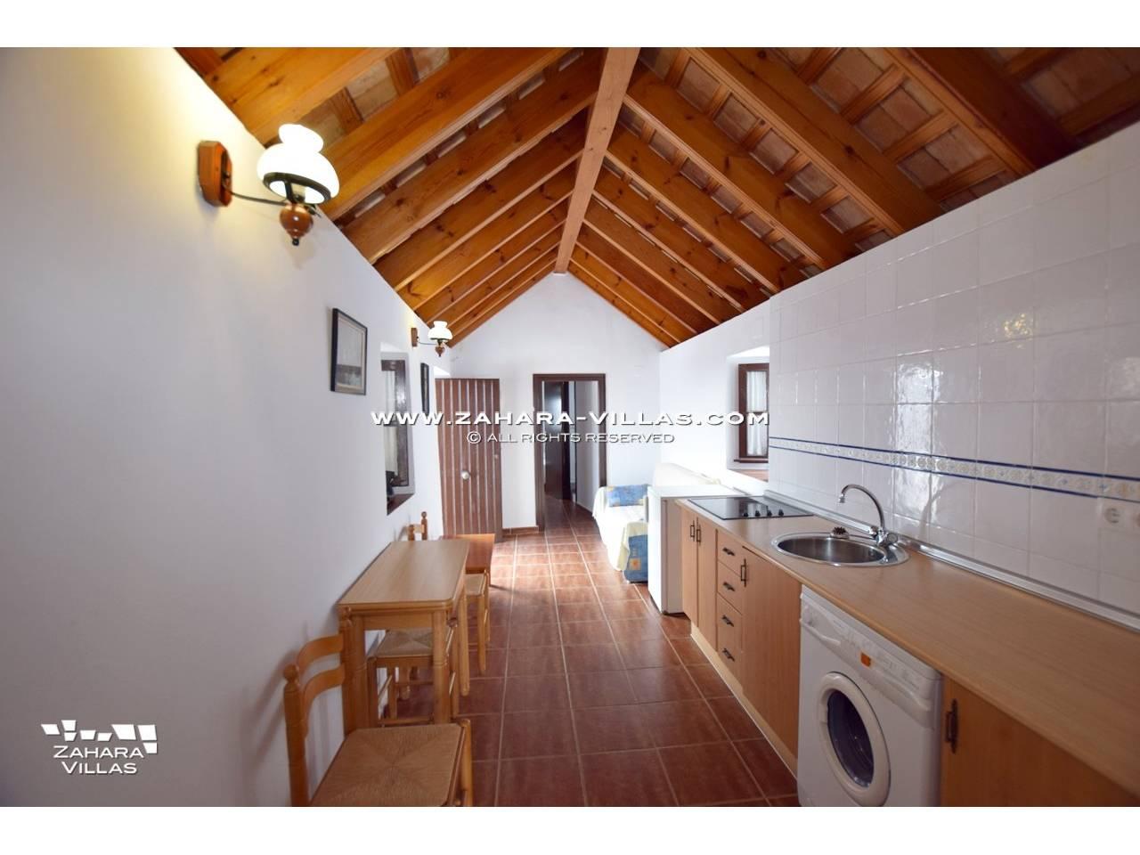 Imagen 2 de House, Apartment and Plot to build in the historic center of Vejer de la Frontera
