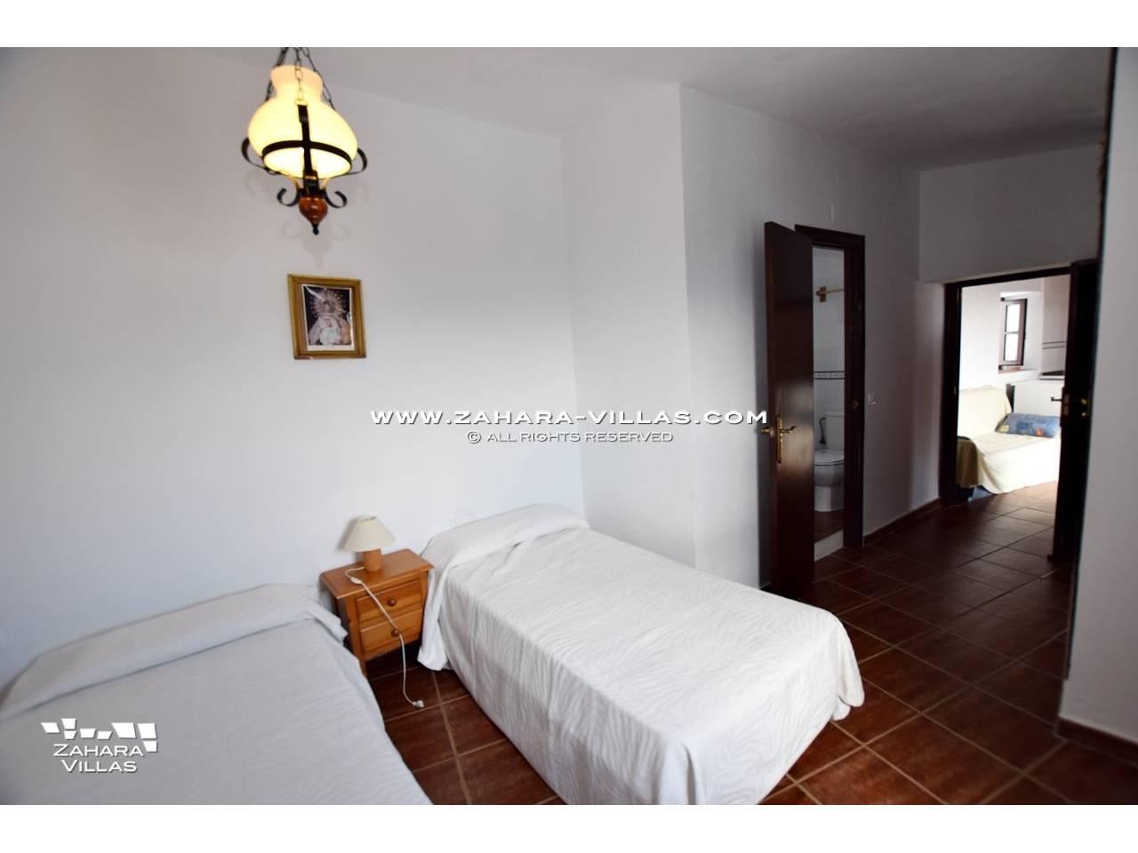 Imagen 4 de House, Apartment and Plot to build in the historic center of Vejer de la Frontera