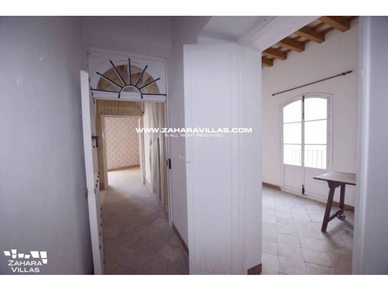 Imagen 11 de Fabulous house, ripe for refurbishment, in the centre of Vejer de la Frontera.