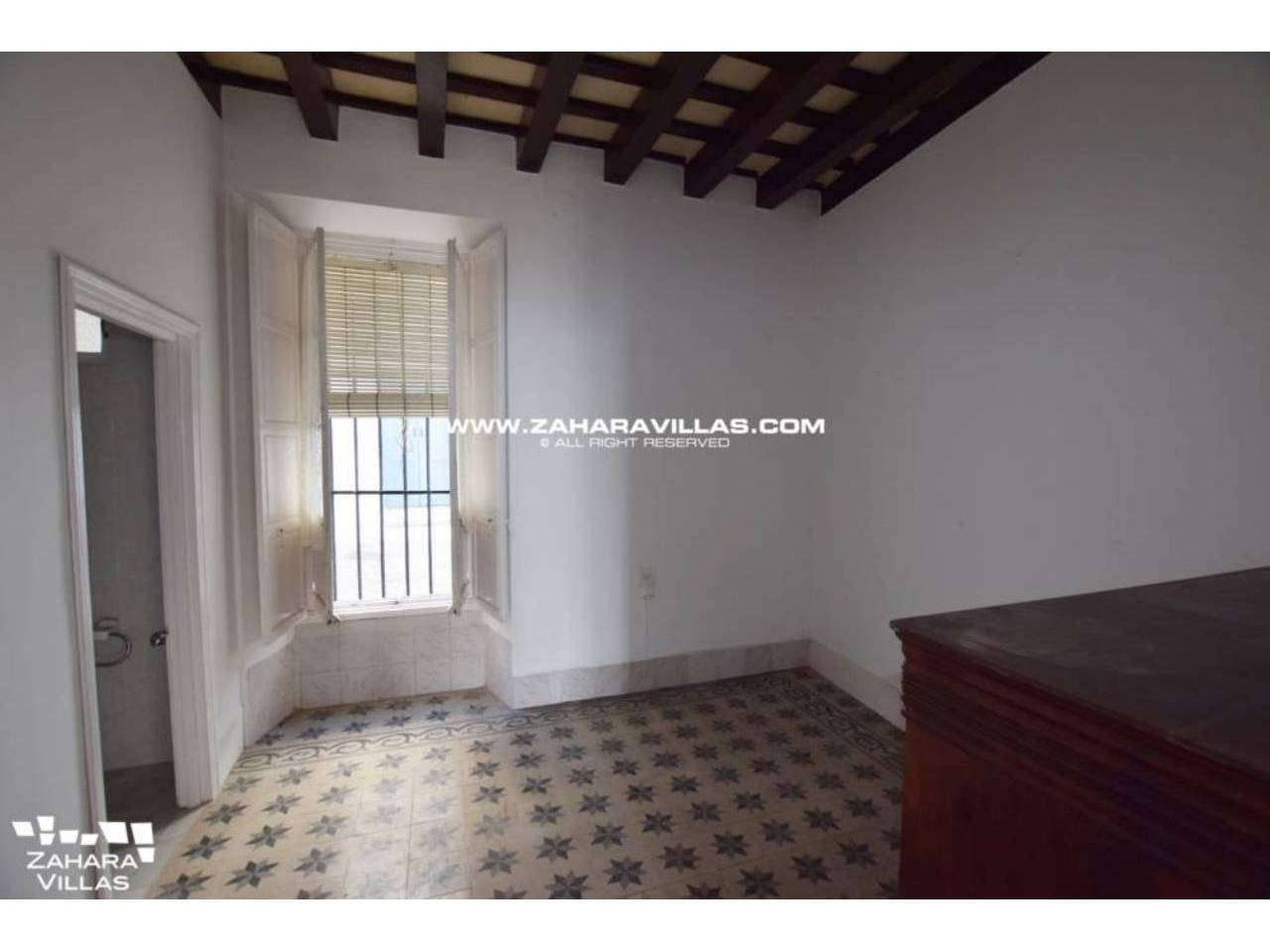 Imagen 18 de Fabulous house, ripe for refurbishment, in the centre of Vejer de la Frontera.