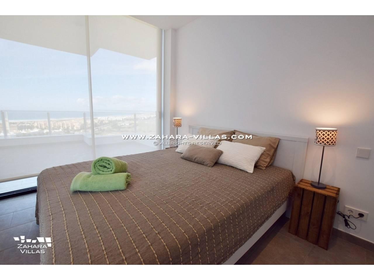 Imagen 15 de Newly built villa with panoramic views.