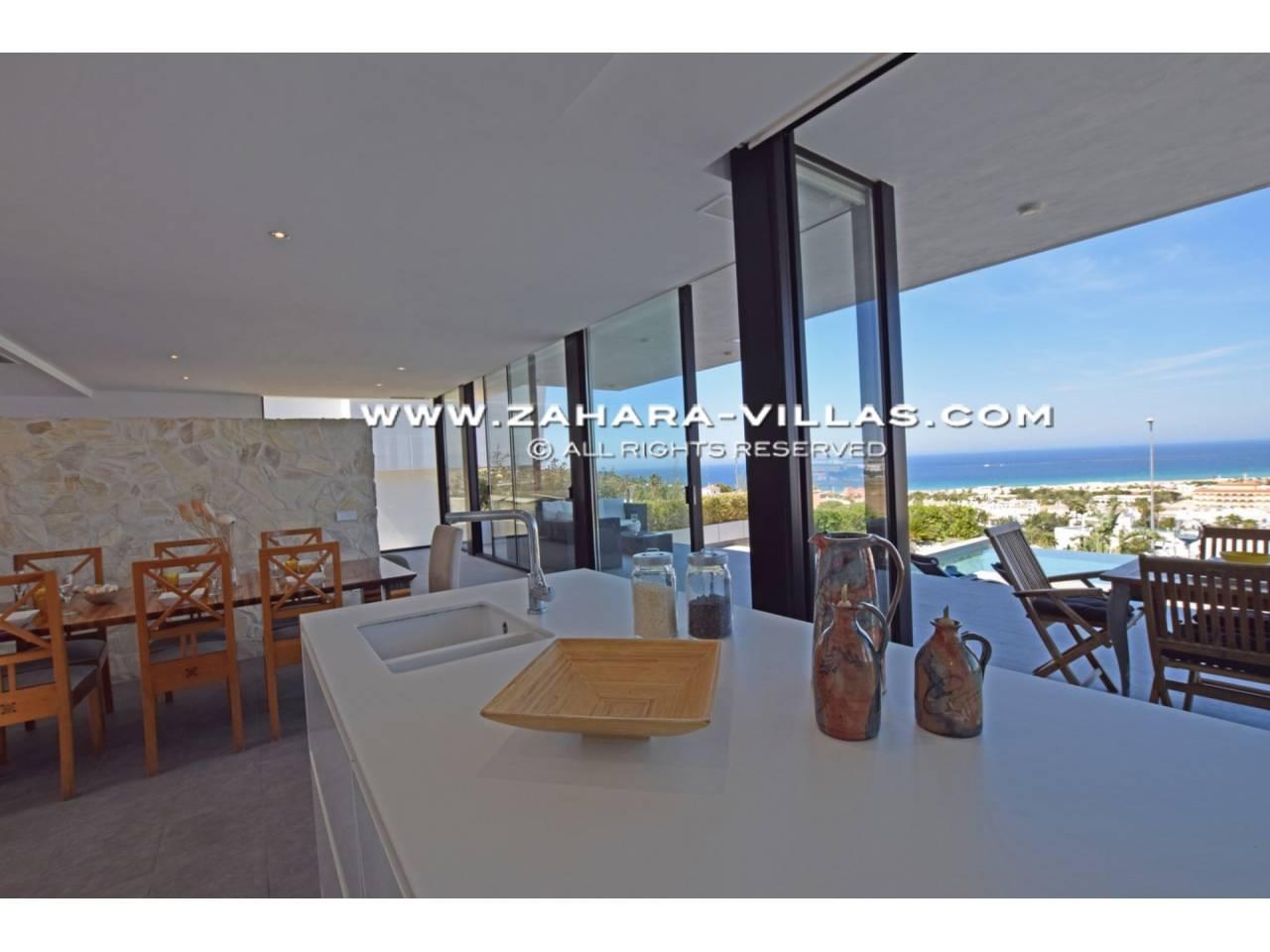 Imagen 7 de Newly built villa with panoramic views.
