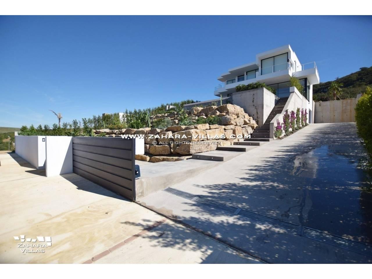 Imagen 31 de Newly built villa with panoramic views.