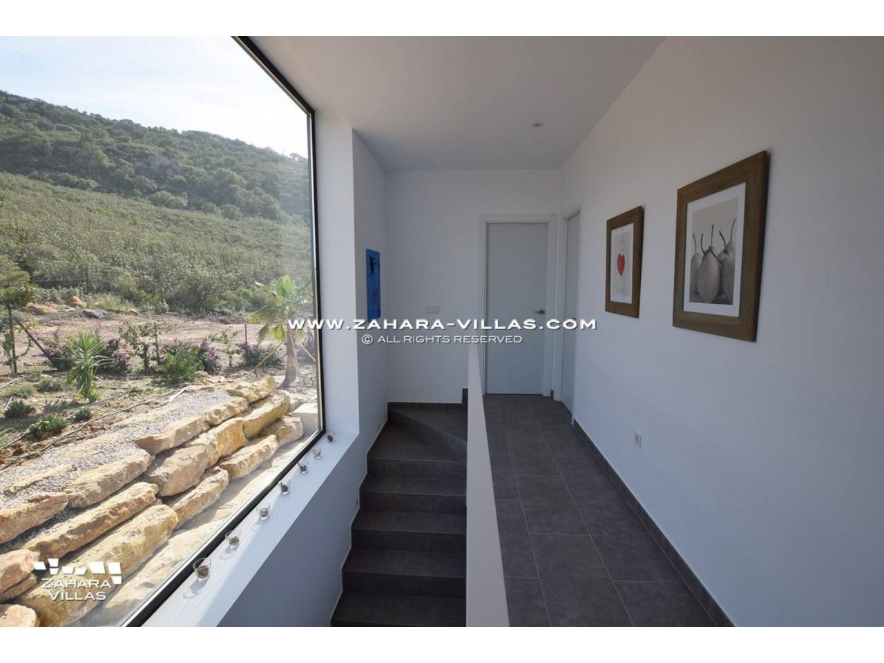 Imagen 36 de Newly built villa with panoramic views.