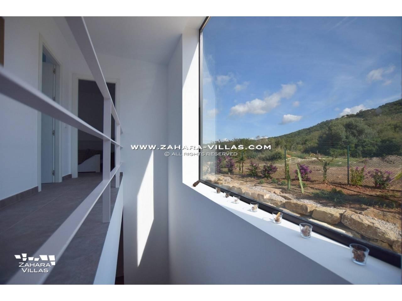 Imagen 38 de Newly built villa with panoramic views.