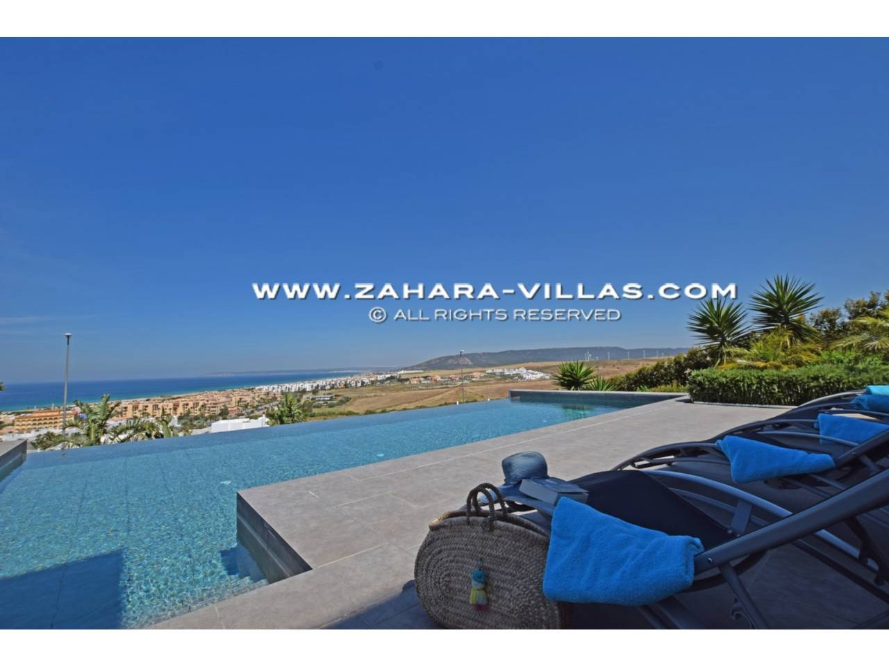 Imagen 4 de Newly built villa with panoramic views.
