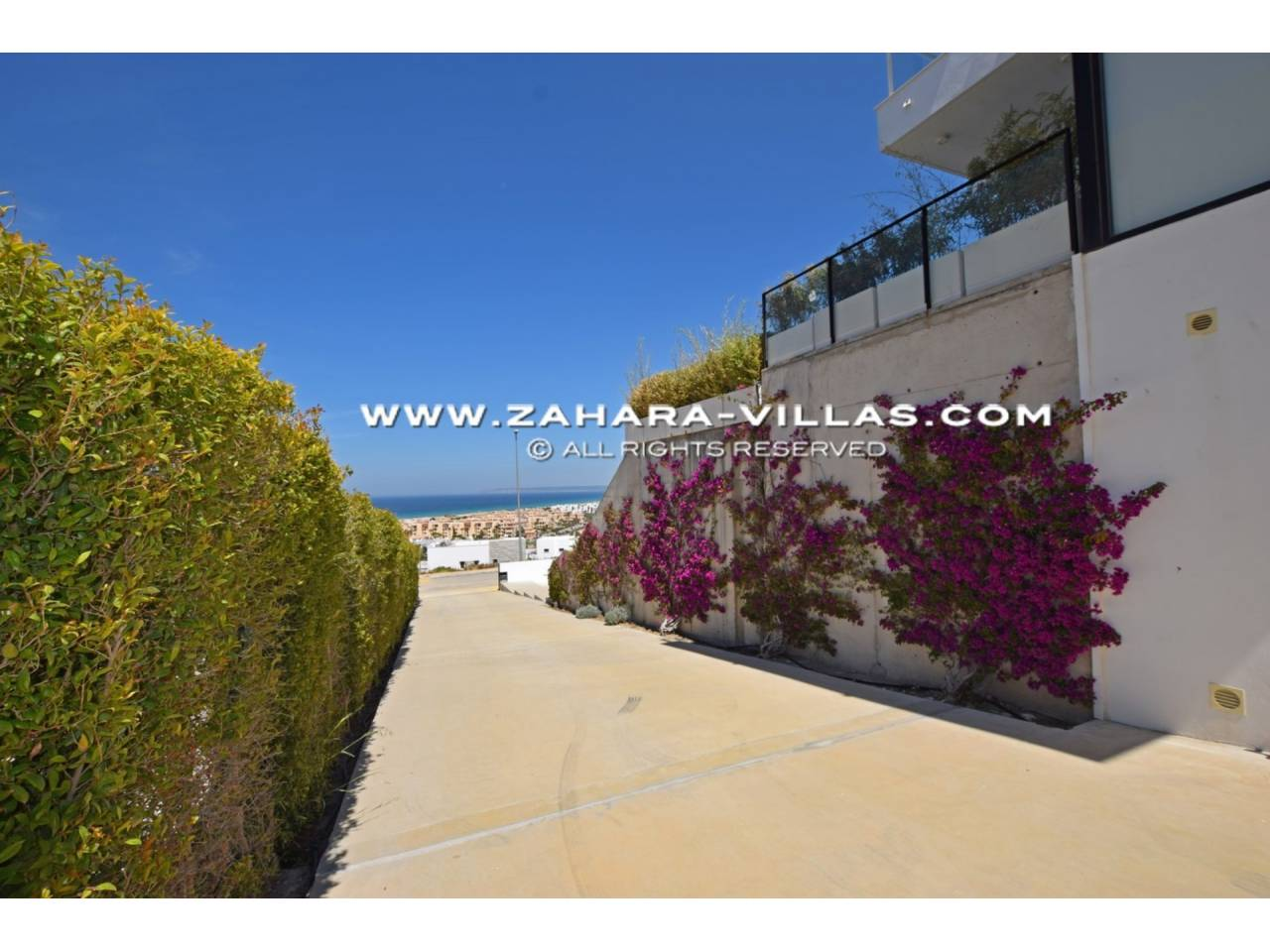 Imagen 34 de Newly built villa with panoramic views.