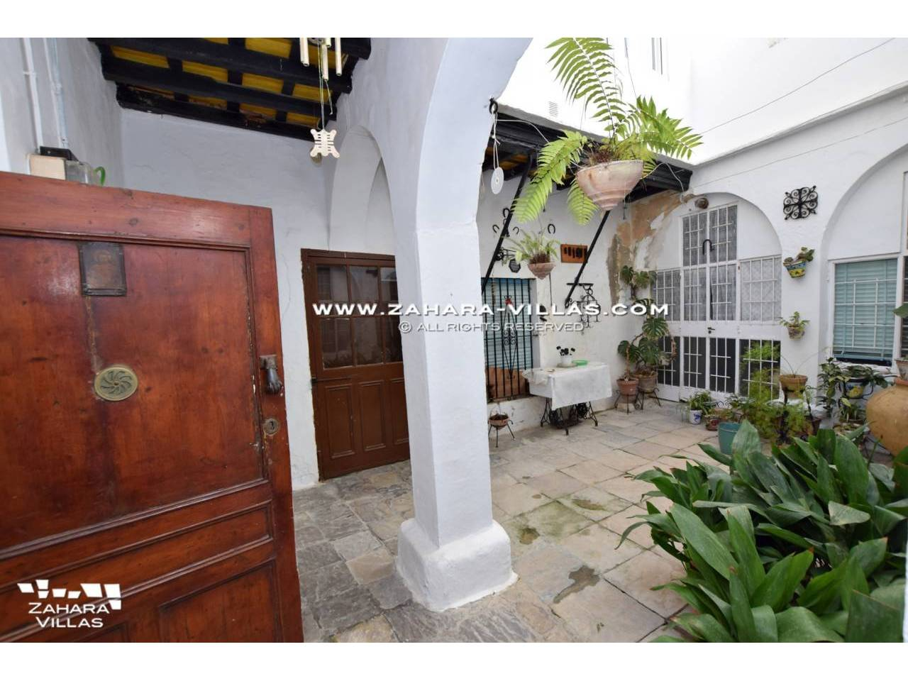 Imagen 11 de An Amazing Opportunity in the Historical Centre of Vejer