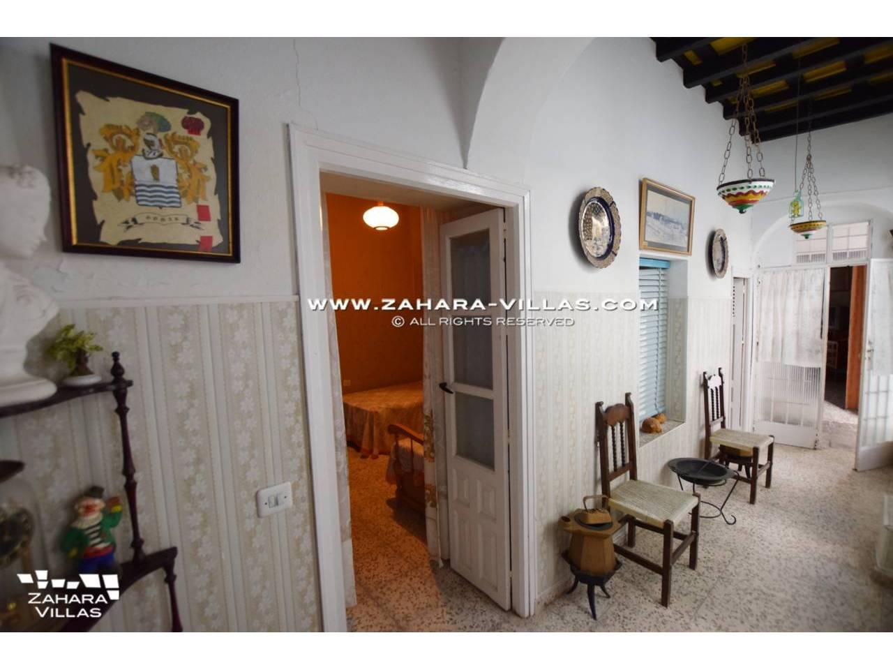 Imagen 15 de An Amazing Opportunity in the Historical Centre of Vejer