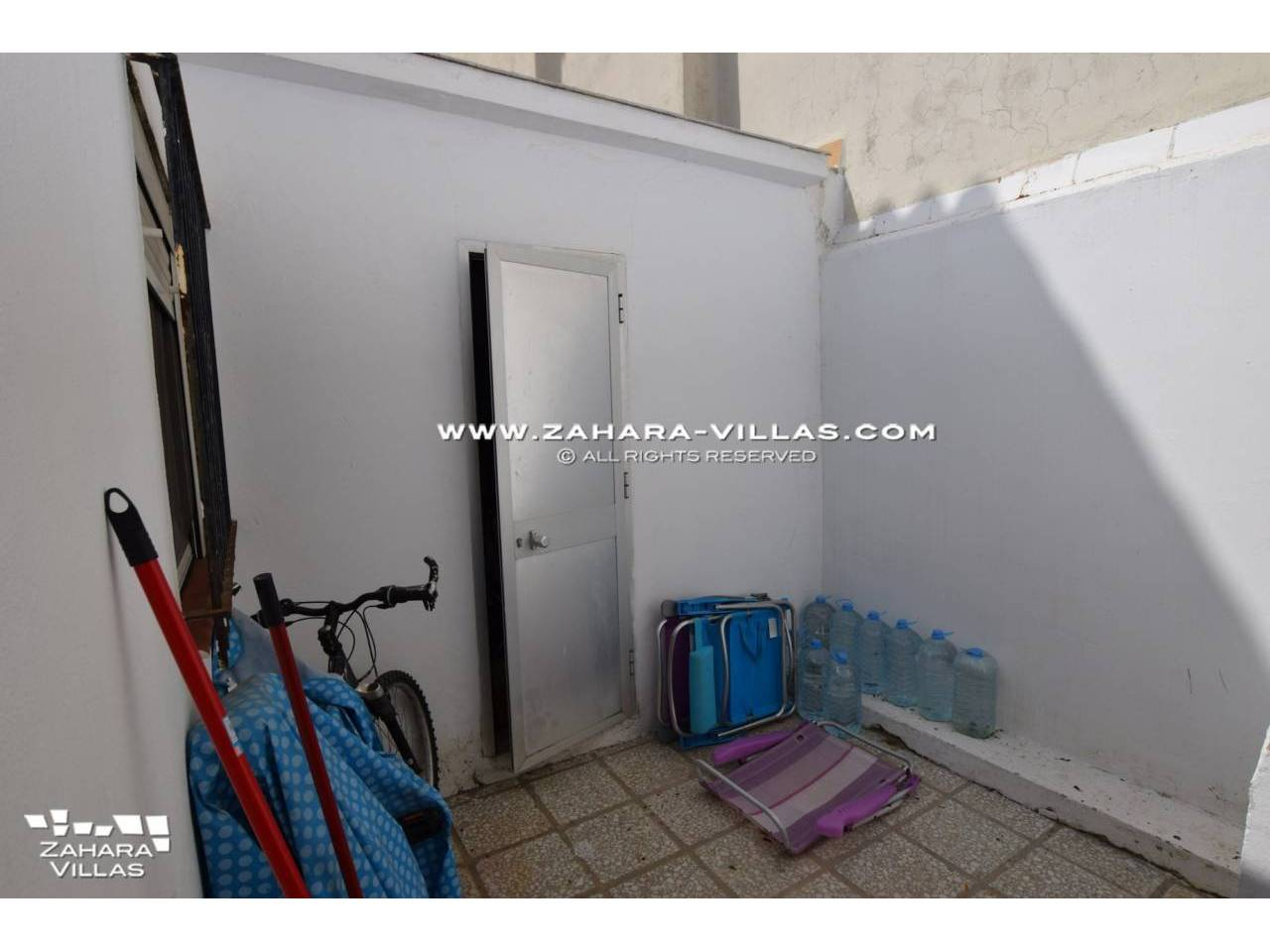 Imagen 10 de House in Avda. Del Pradillo for sale in the town of Zahara de los Atunes