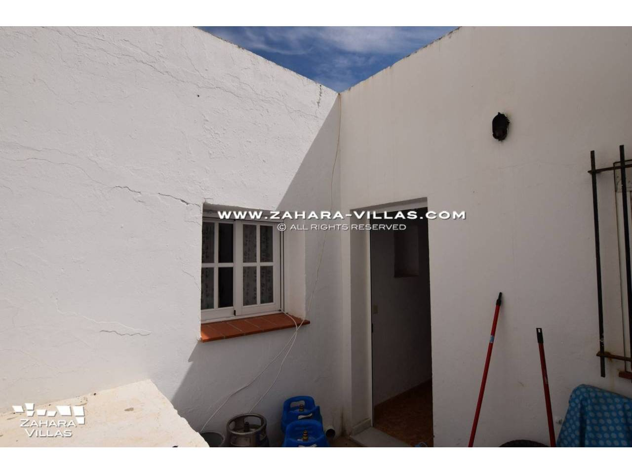 Imagen 11 de House in Avda. Del Pradillo for sale in the town of Zahara de los Atunes