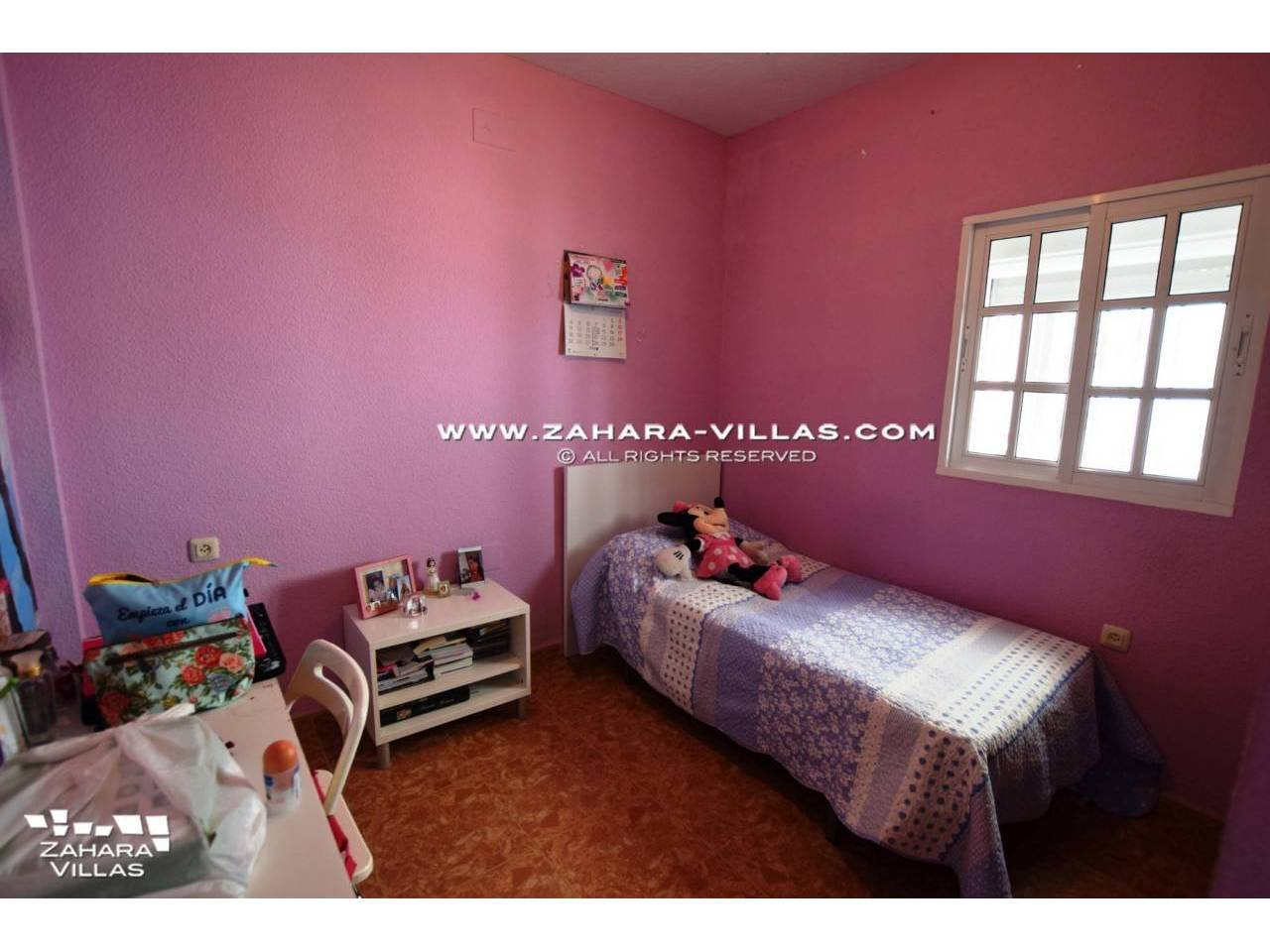 Imagen 13 de House in Avda. Del Pradillo for sale in the town of Zahara de los Atunes