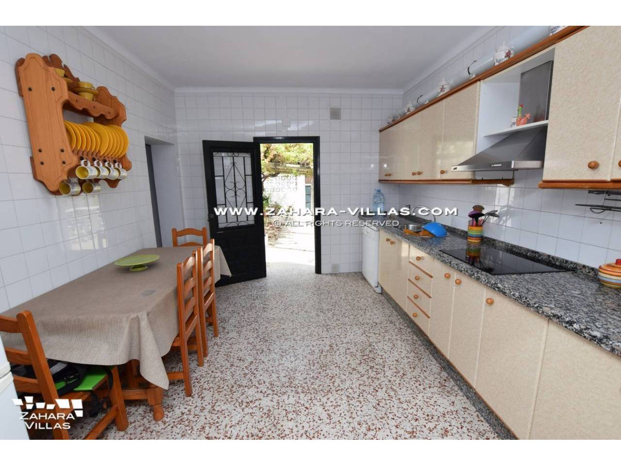 Imagen 8 de House in Avda. Del Pradillo for sale in the town of Zahara de los Atunes