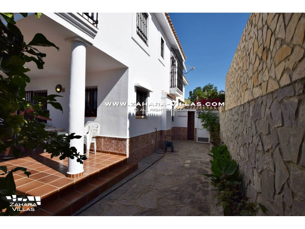 Imagen 17 de House for sale on the front beach, with sea views in Zahara de los Atunes