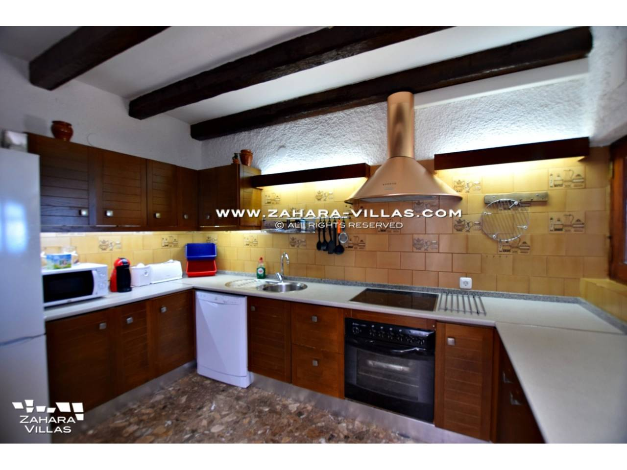 Imagen 12 de Wonderful villa for sale in the upper area of the Atlanterra mountain