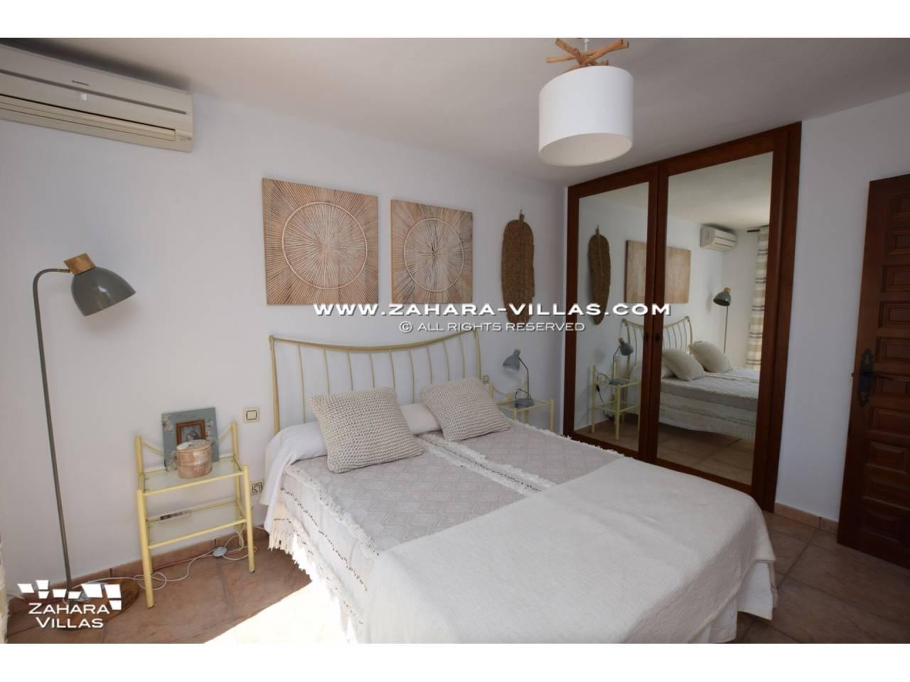 Imagen 16 de Casa Adosada con vistas al mar en venta en Urb. Jardines de Zahara
