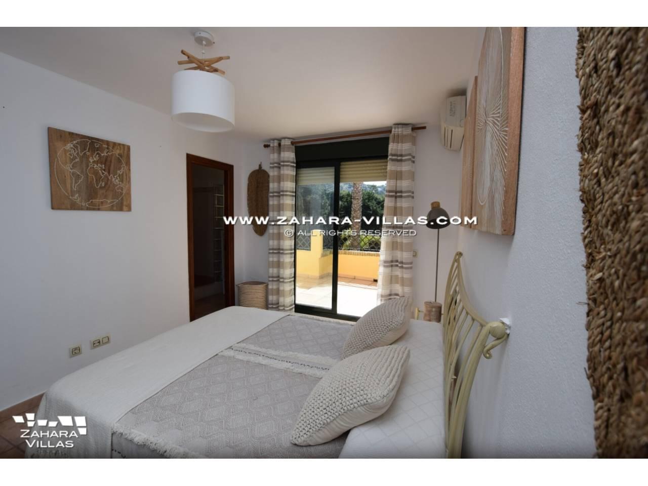 Imagen 17 de Casa Adosada con vistas al mar en venta en Urb. Jardines de Zahara