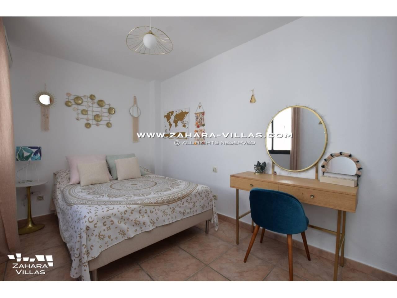 Imagen 25 de Casa Adosada con vistas al mar en venta en Urb. Jardines de Zahara