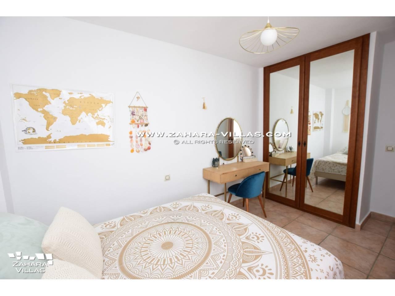 Imagen 27 de Casa Adosada con vistas al mar en venta en Urb. Jardines de Zahara