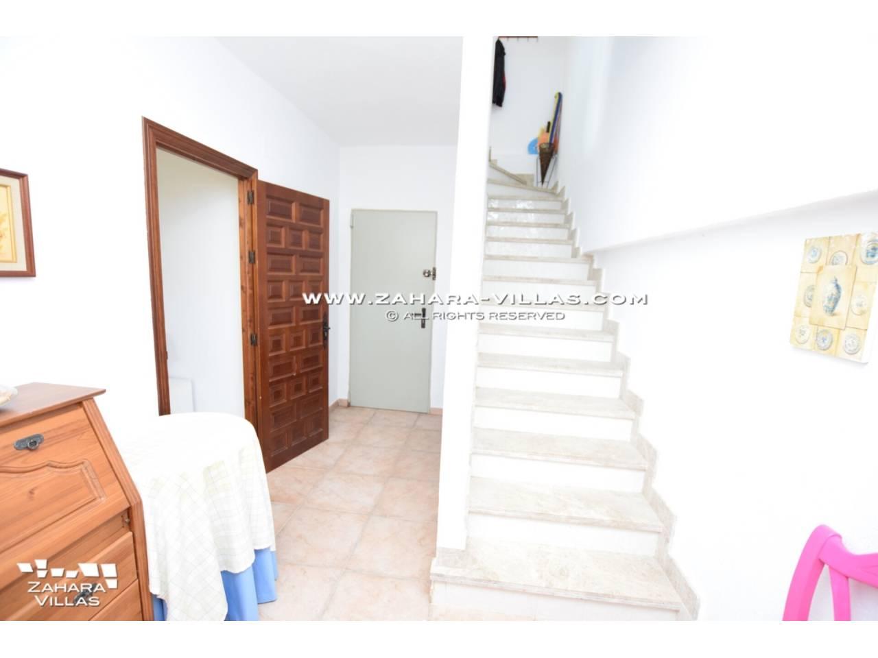 Imagen 42 de Casa Adosada con vistas al mar en venta en Urb. Jardines de Zahara