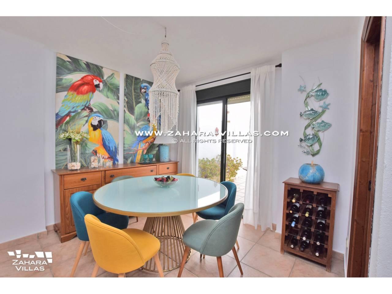 Imagen 32 de Casa Adosada con vistas al mar en venta en Urb. Jardines de Zahara