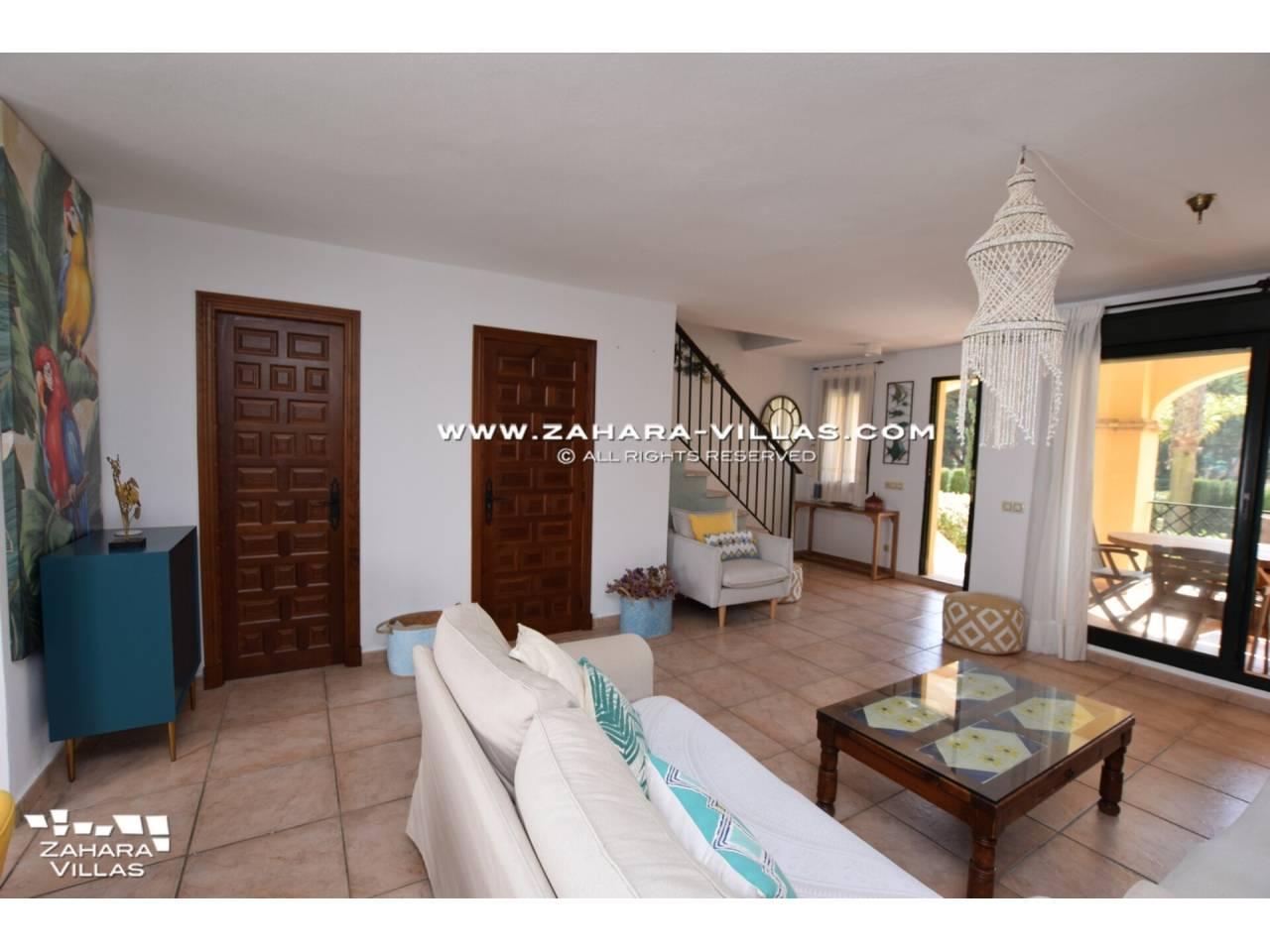 Imagen 11 de Casa Adosada con vistas al mar en venta en Urb. Jardines de Zahara