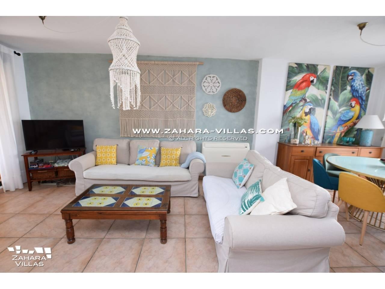 Imagen 6 de Casa Adosada con vistas al mar en venta en Urb. Jardines de Zahara