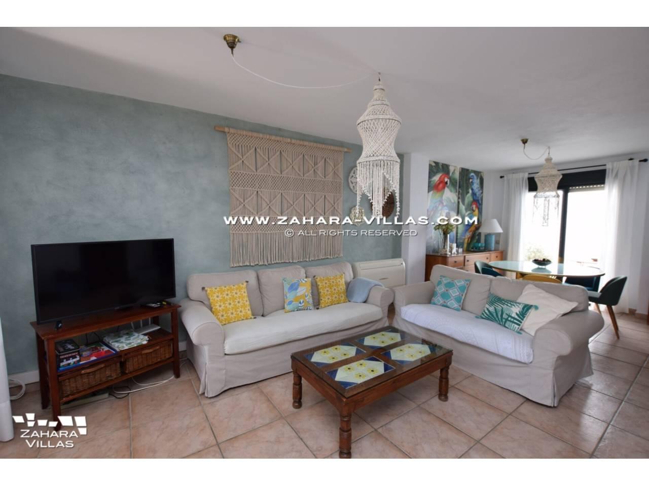 Imagen 4 de Casa Adosada con vistas al mar en venta en Urb. Jardines de Zahara
