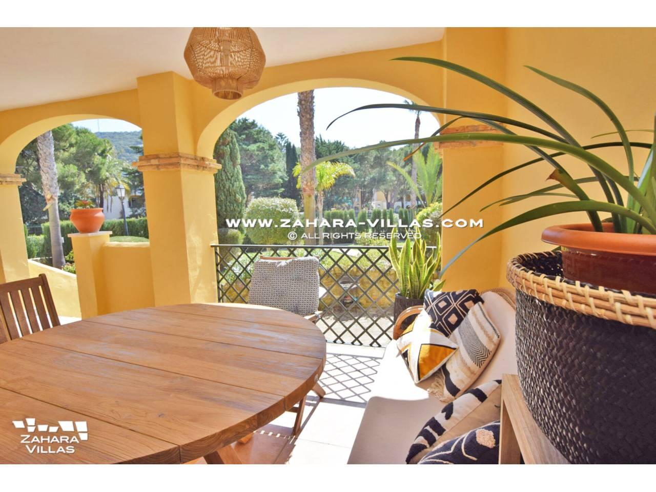 Imagen 2 de Casa Adosada con vistas al mar en venta en Urb. Jardines de Zahara