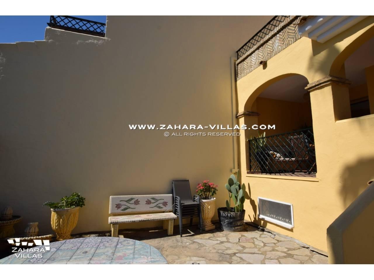 Imagen 45 de Casa Adosada con vistas al mar en venta en Urb. Jardines de Zahara