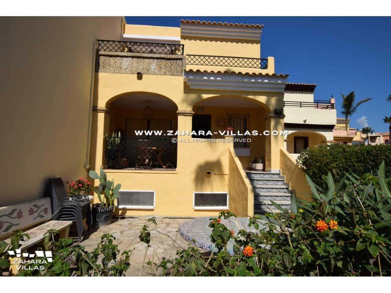 Imagen 1 de Casa Adosada con vistas al mar en venta en Urb. Jardines de Zahara