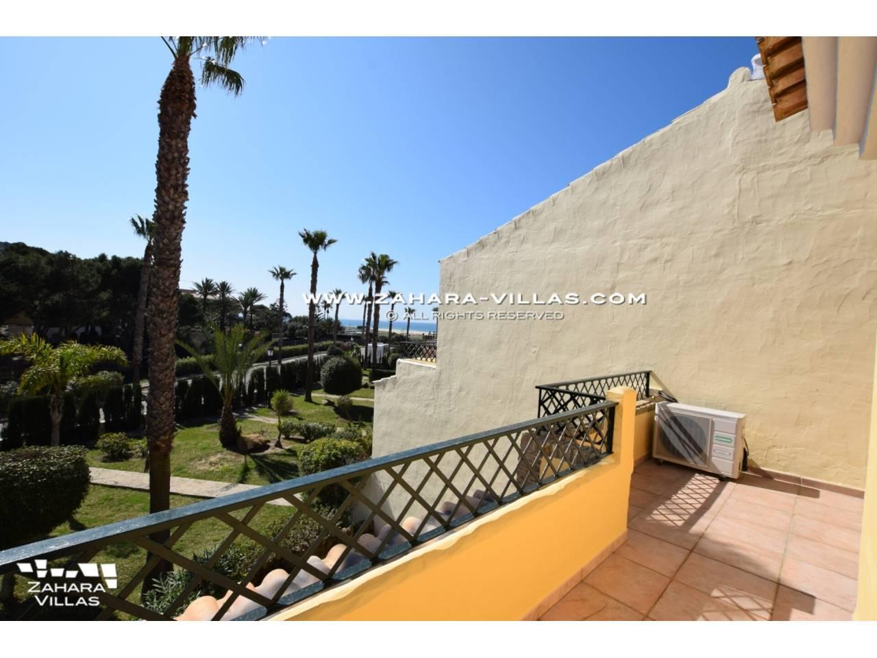 Imagen 18 de Casa Adosada con vistas al mar en venta en Urb. Jardines de Zahara