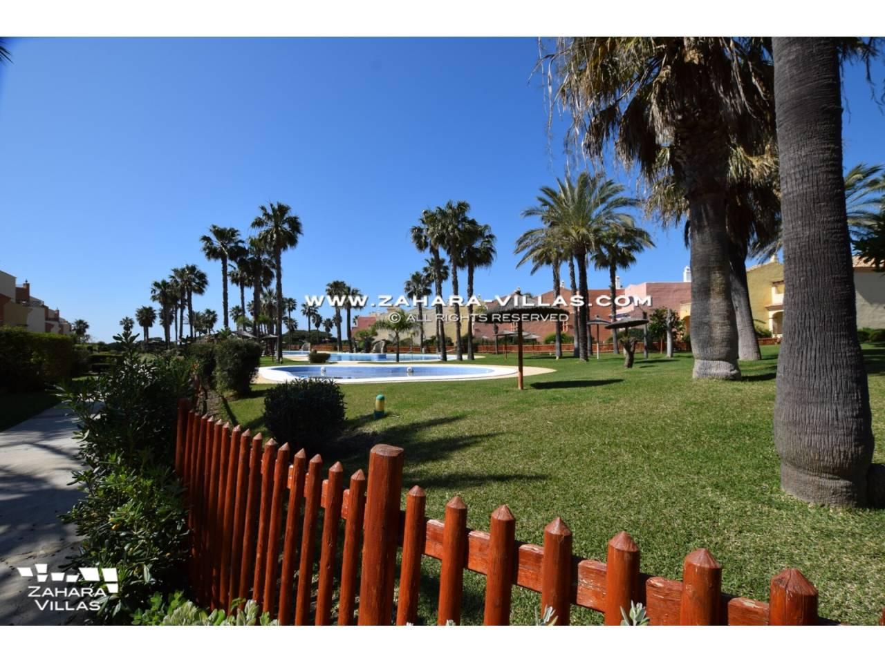 Imagen 48 de Casa Adosada con vistas al mar en venta en Urb. Jardines de Zahara
