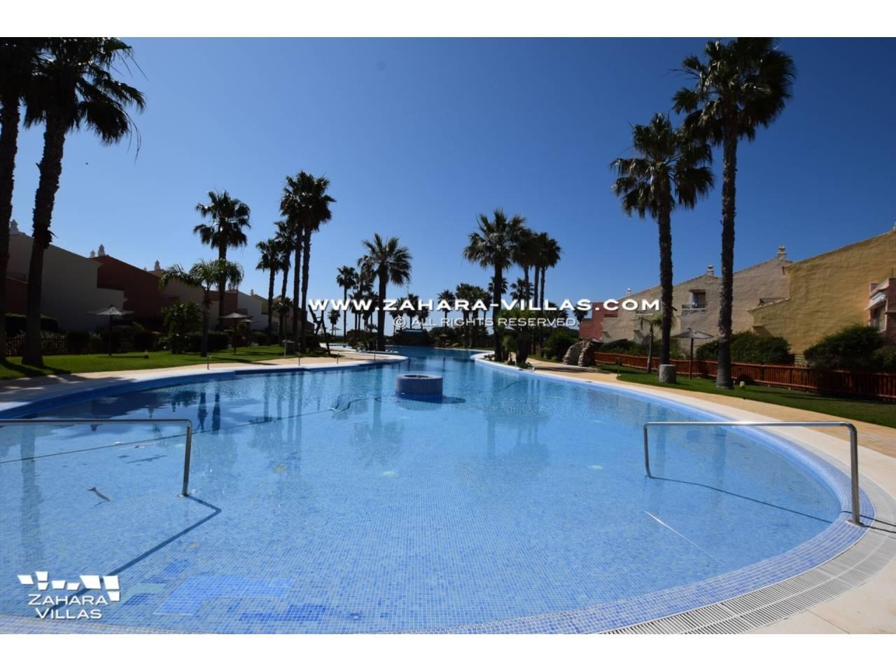 Imagen 50 de Casa Adosada con vistas al mar en venta en Urb. Jardines de Zahara