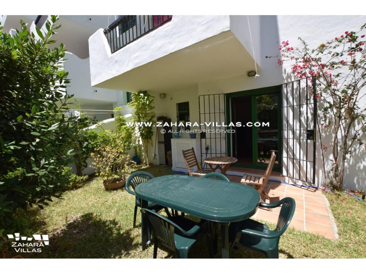 Imagen 2 de Apartamento con Jardín privado en venta  en Urb. Bahia de la Plata