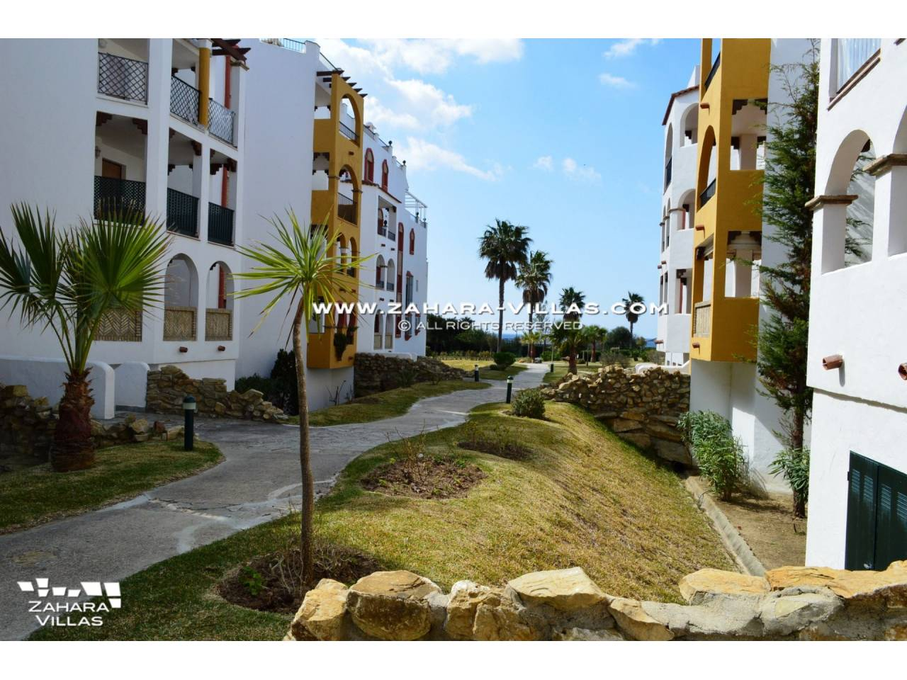 Imagen 23 de Apartment for sale in Zahara de los Atunes