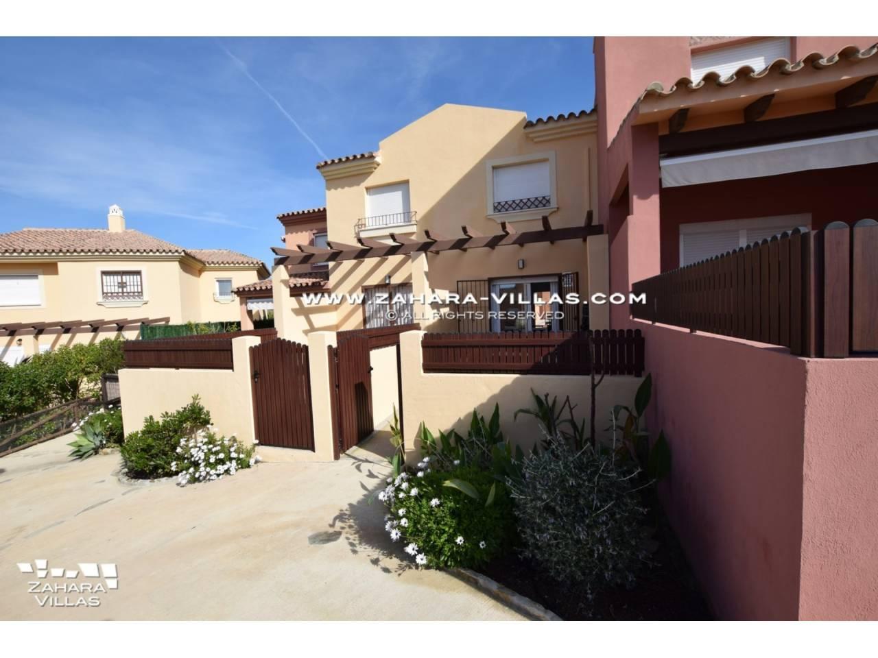Imagen 1 de Casa Adosada en venta en Urb. Arenales Golf