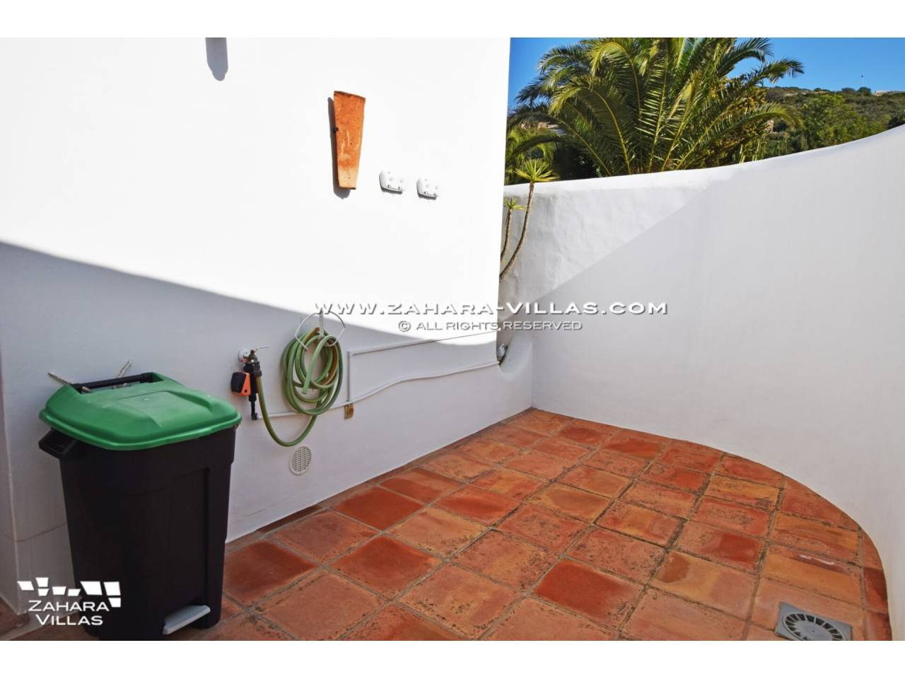 Imagen 56 de Maravilloso Chalet en venta en la zona del Faro Camarinal con vistas panorámicas a la Playa de los Alemanes