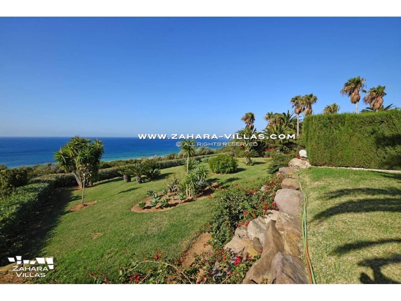 Imagen 51 de Maravilloso Chalet en venta en la zona del Faro Camarinal con vistas panorámicas a la Playa de los Alemanes